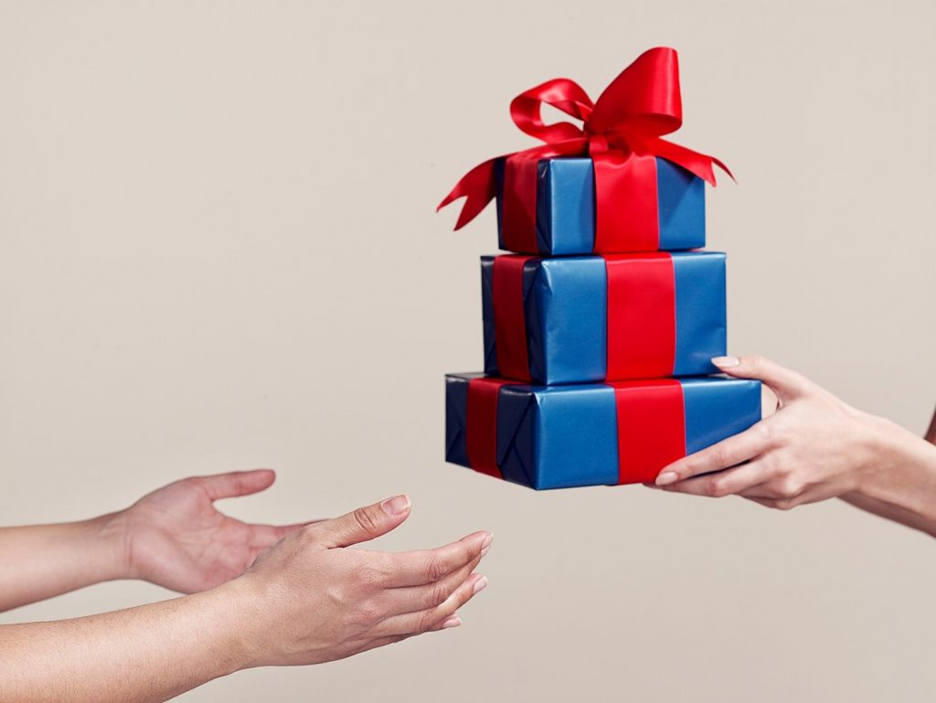 The Best Gifts To Surprise Your Sibling