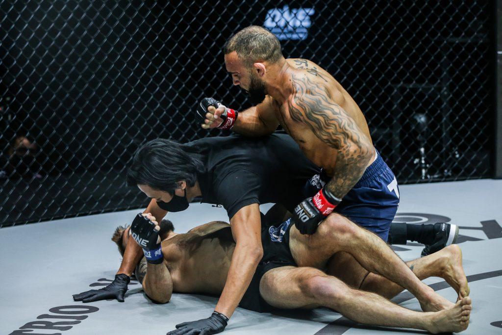 John Lineker Delivers Devastating First-Round Knockout of Troy Worthen